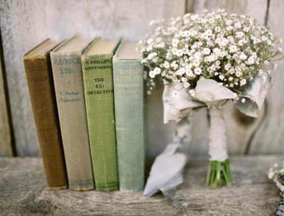 books-flowers-little-lovely-Favim.com-618990